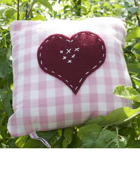 Little heart cushion